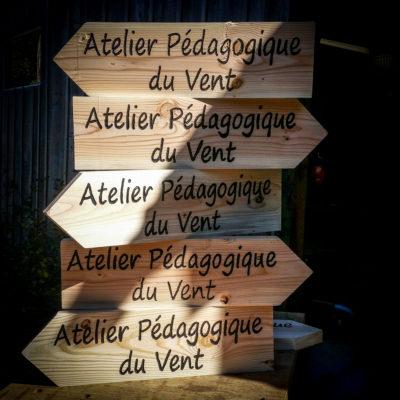 Panneaux indicateurs bois